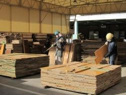 整理整頓された本社倉庫