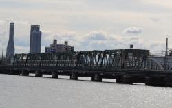 架け替えする阪神なんば線淀川橋梁